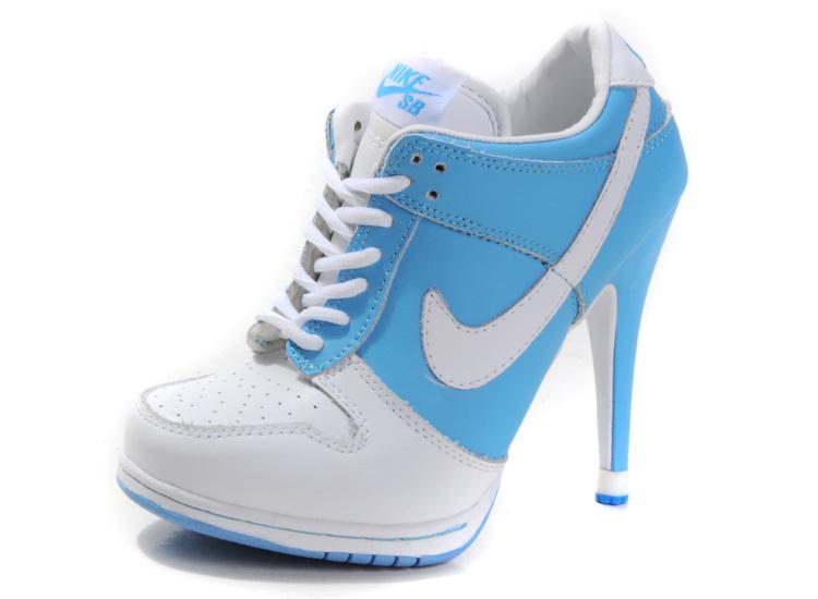 chaussure nike a talon haut tennis a talon nike vente nike a talon. Black Bedroom Furniture Sets. Home Design Ideas